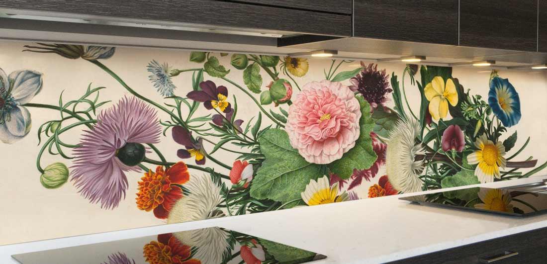 keuken spatwand boeket bloemen