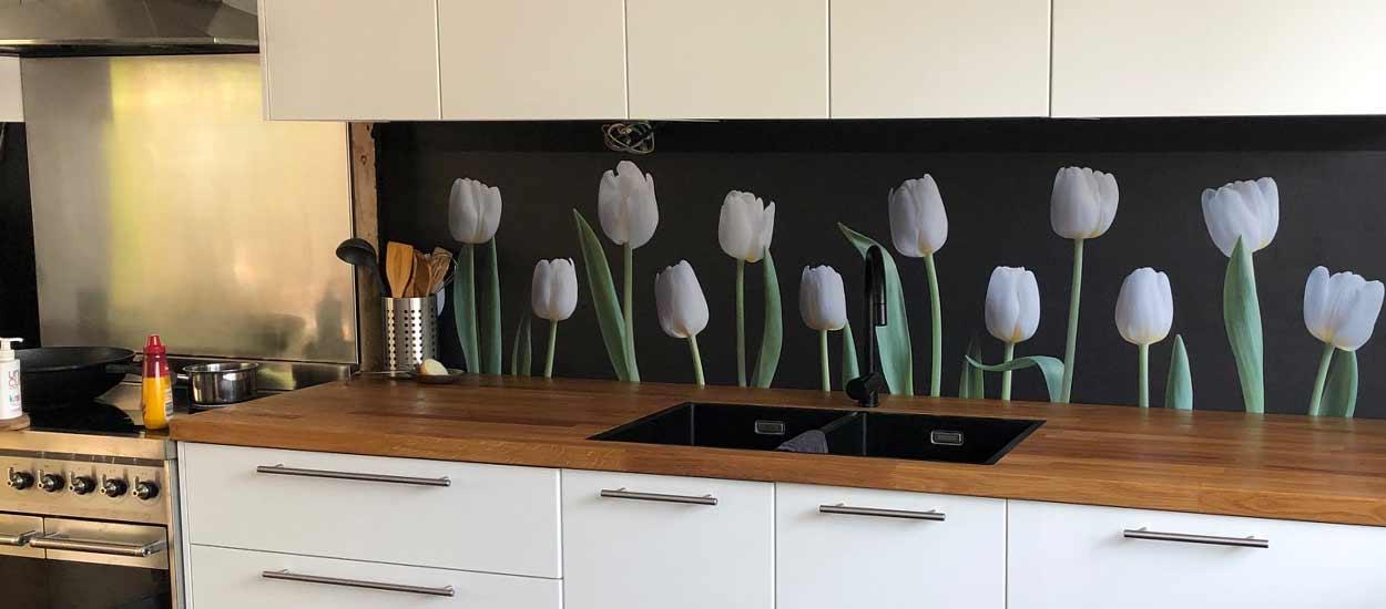 Splashback_white_Tulips