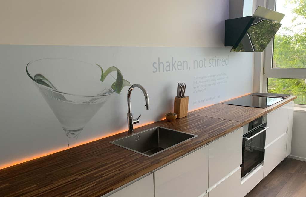 """keuken achterwand """"Shaken not stirred, bij Boudewijn"""